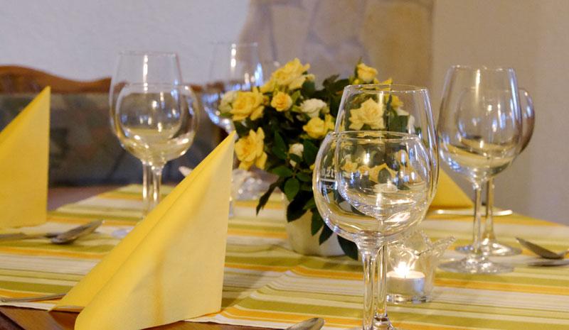 Dekoration-gelb-2.jpg